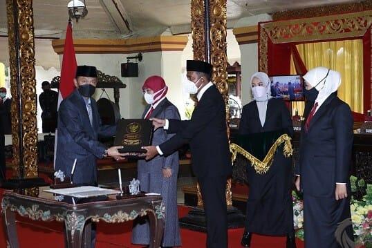 Sertijab Bupati dan Wakil Bupati Sumenep, Gubernur Sampaikan Lima Arahan Presiden