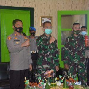 hut armed, kasdim 0824/jember bersama kapolres berikan surprise