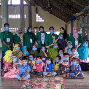 di tengah pandemi covid-19, mahasiswa unimal berikan bimbel pada anak gampong pulo iboih