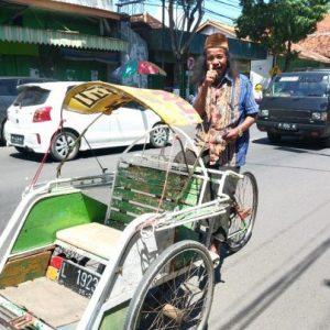 tukang becak dukung berdirinya kantor hukum soetomo, salman & partners di sampang